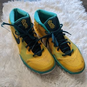 Kyrie Irving 1 Letterman Nike sneakers 9.5